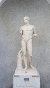 example of contrapposto